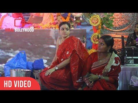 Sumona Chakravarti At Durga Pooja   Sumona Chakravarti Attends Durga Pooja   Navratri 2017