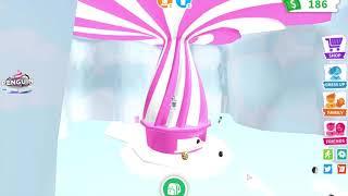 Monster high Abbey Bominable klettert auf das Dach der Eisdiele in adopt me I Roblox