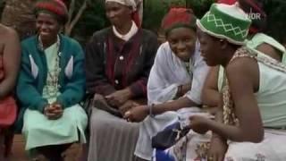 Repeat youtube video Heidnische Satanische Rituale 3/9 Frauen Genitalverstümmelung