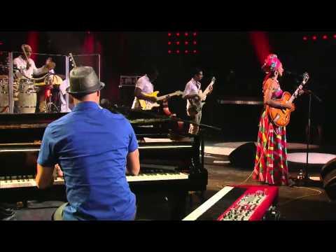 Fatoumata Diawara & Roberto Fonseca New Album At Home
