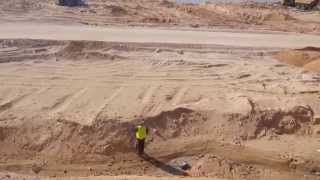 شاهد مهندس يرصد بدقه أبعاد قناة السويس الجديدة يناير2015