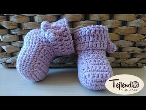 Patucos  para bebé  tejidos a ganchillo