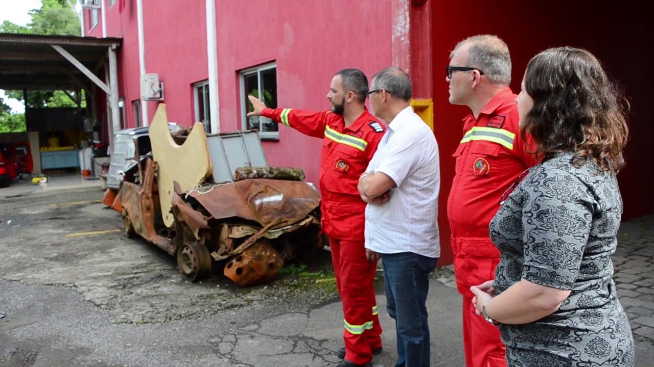 Foto de capa da notícia: Administração Municipal oficializa parceria com Corpo de Bombeiros