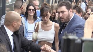 Baixar Bella Hadid, Gigi Hadid and Kendall Jenner swarmed by the fans after at the Alberta Ferretti Show in