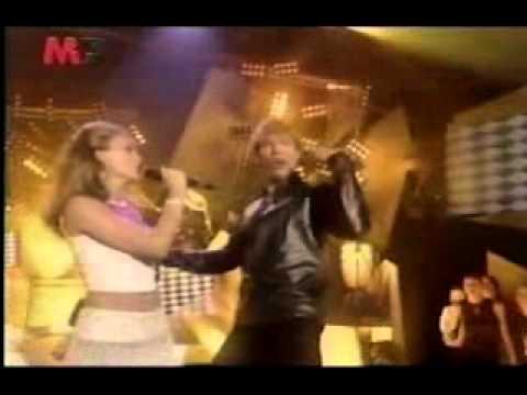 ricky-martin-ft-kylie-minogue-videoclip-livin-la-vida-loca