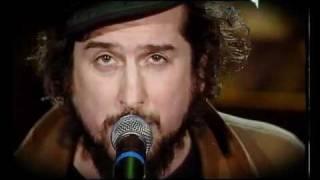 Vinicio Capossela canta La città vecchia di Fabrizio De Andrè.flv