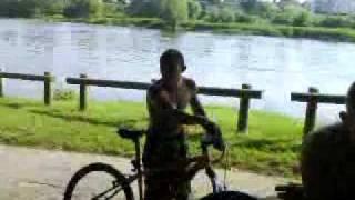 Greg a la dordogne en vélo