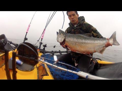 Catching huge kayak king salmon in half moon bay ca youtube for Half moon bay fishing report