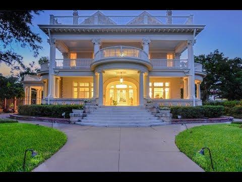 Elegant Monte Vista Estate in  San Antonio, Texas