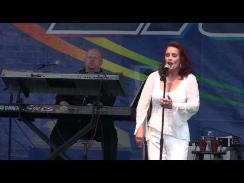 Sheena Easton - For Your Eyes Only - Market Days 2012 fragman