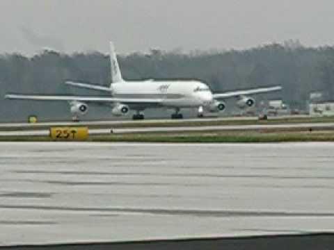 Douglas DC8 Takeoff
