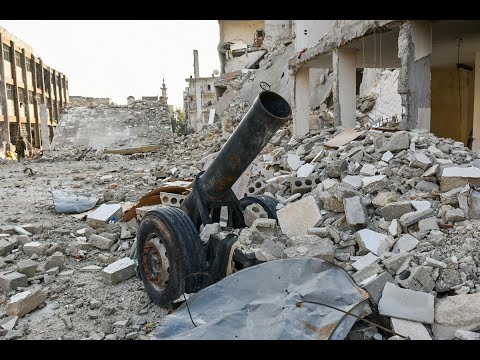 أخبار عربية | العثور على عشرات الجثث لاشخاص اعدمهم #داعش في القريتين بـ #سوريا  - نشر قبل 2 ساعة