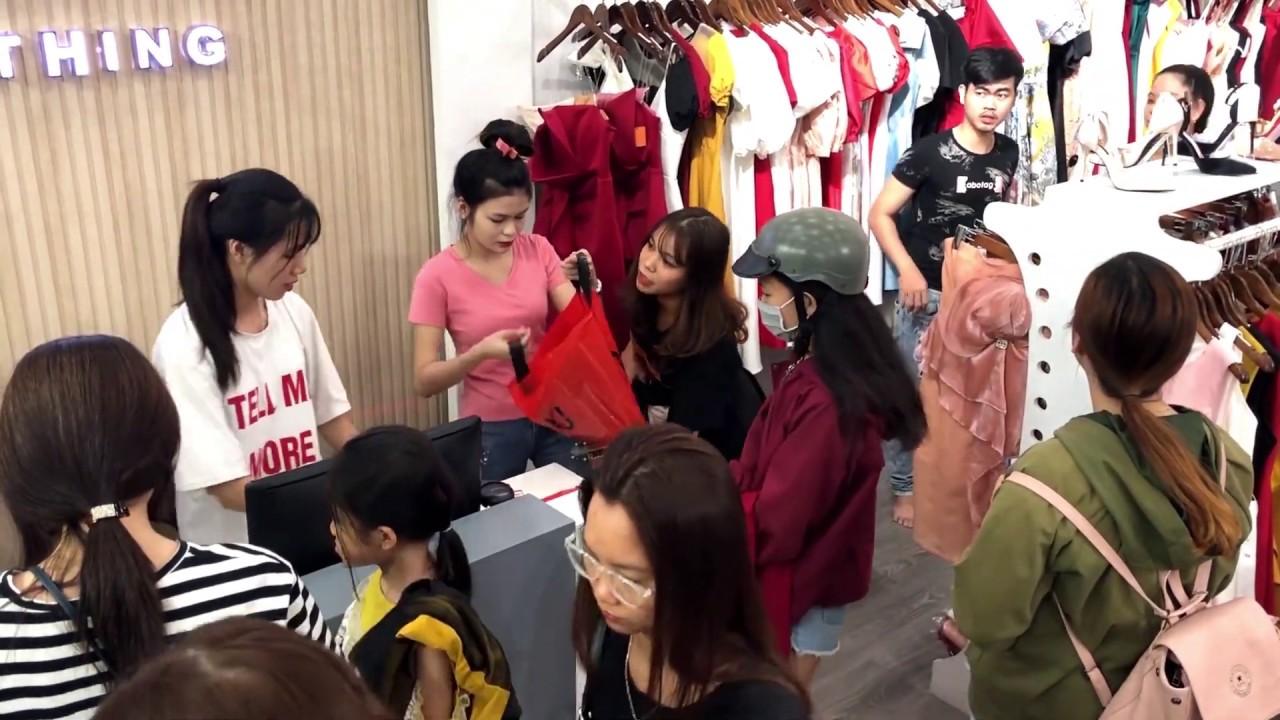 Vi Vu Mua Sắm Với Shop Thời Trang Nữ Đẹp Tại TPHCM
