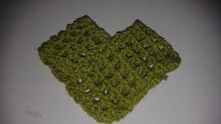 Repeat youtube video Cómo formar un poncho o capa con dos rectángulos tejidos a gancho o agujas.