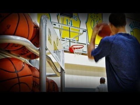 Steph Curry preps for the 3-Point Contest