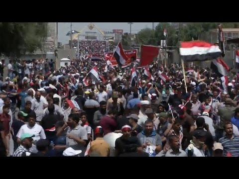 Iraqi protesters breach Baghdad