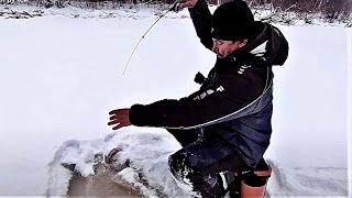 Рыбалка. ПЕРВЫЙ ЛЕД на степном ручье.Окунь на балансир
