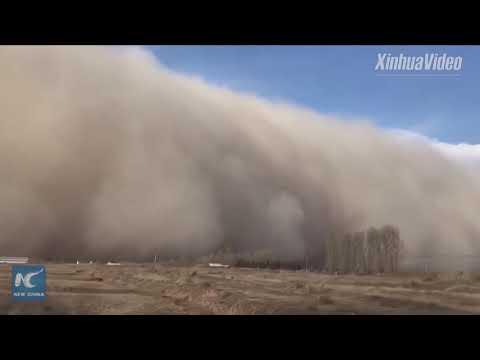 Huge sandstorm engulfs parts of Gansu, China