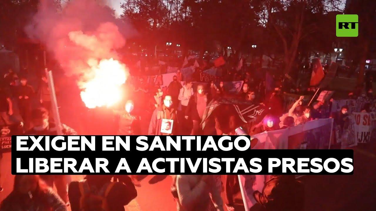 Dispersan con cañones de agua una protesta que exigía liberar a los activistas presos en Chile