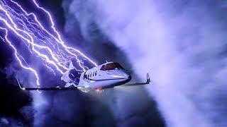 Супергёрл помогает посадить самолёт