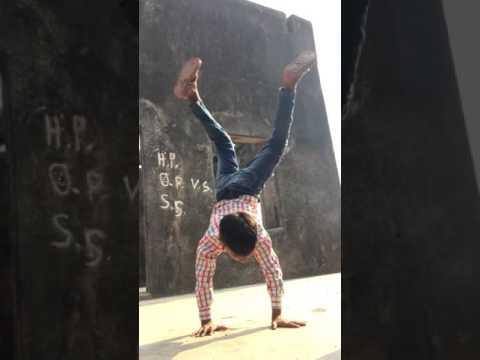 GF BF Dance by slum kid Sion Mumbai