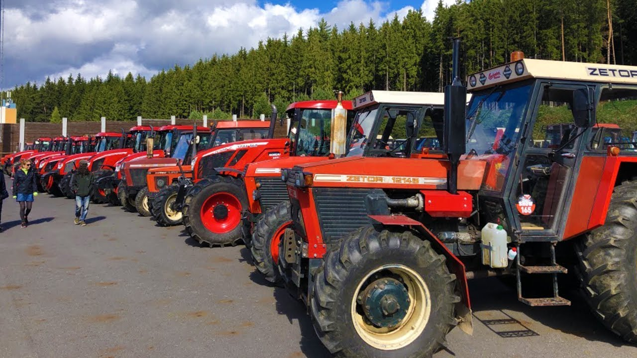 Amazing Tractors! World record longest tractor ride!