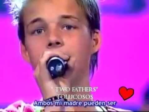 DOS PAPÁS  (TWO FATHERS)