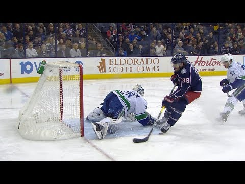 Markstrom makes excellent pad save on Jenner