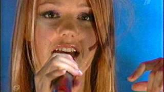 Смотреть клип песни: Юлианна Караулова - Дождь