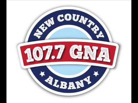 1077 GNA at Taste of Country: Marissa & Bethany Interview Neal McCoy