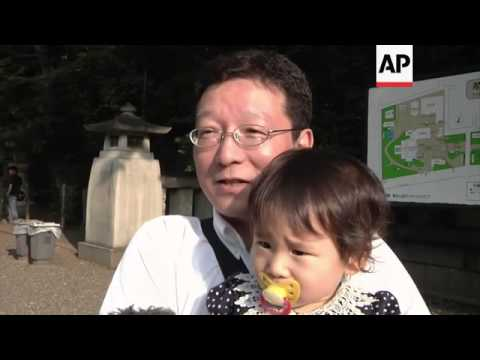 Members of Abe cabinet attend controversial shrine on 68th anniversary of end of WWII