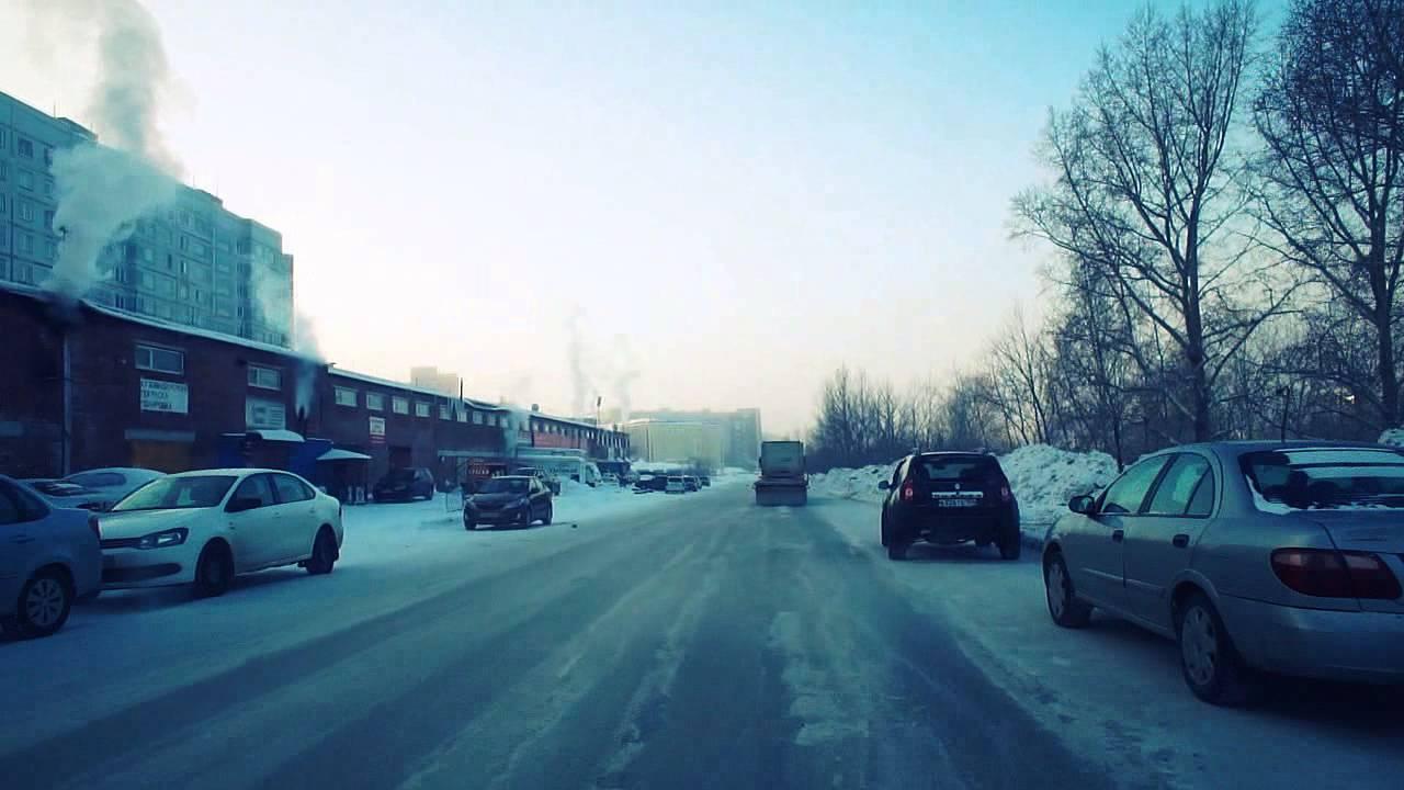 كيف يعيش في سيبيريا الروسية. نوفوسيبيرسك. ناقص 33 درجة. فيديو مسجل سيارة