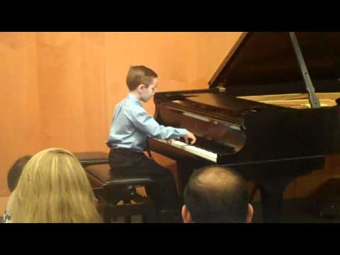 Beethoven Sonatina in F Major played by 7-year-old