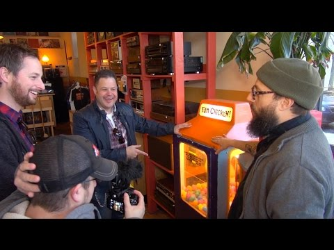 Logan Hardware Arcade Tour - John's Arcade Impossible 2015 Chicago Adventure Part 1 -  Chicago food!