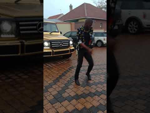Zakes bantwini and DJ bongz challenge