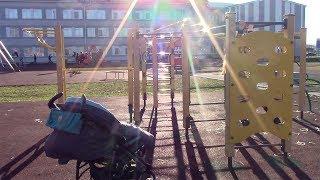 VLOG: Сима гуляет около школы Леры!