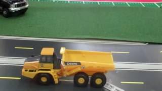 Tomy Ertl John Deere Articulated Dump Trucks