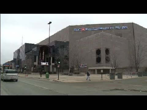 Construction crews will not implode BMO Harris Bradley Center