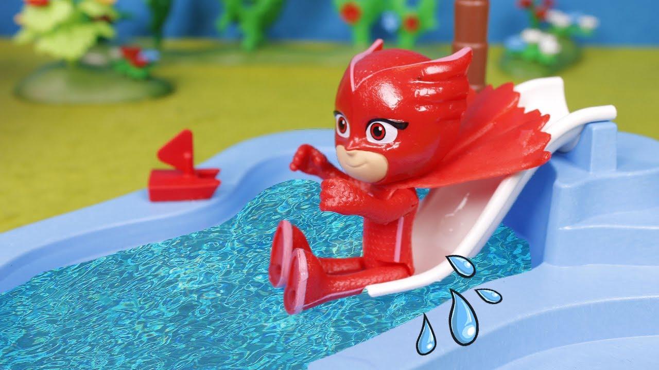 ⚡ PJ MASKS ⚡Pj masks y Doctora juguetes van parque acuático | Heroes en Pijama Juguetes en Español