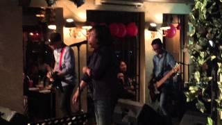 Ari Lasso - Cinta Sejati (Medley) (LIVE @Pisa Cafe 21-05-2015)