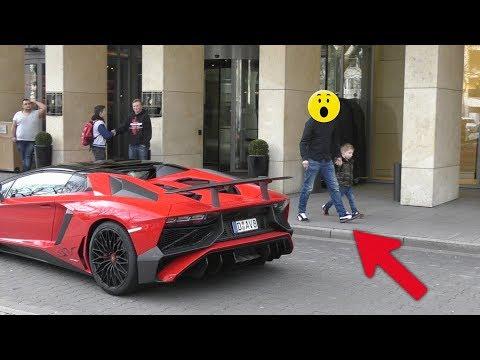 Lamborghini Aventador SV Roadster - People's Reactions in Düsseldorf!