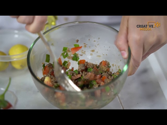 طريقة تحضير المطبق باللحم المفروم والخضروات من مطبخ سعودي شيف