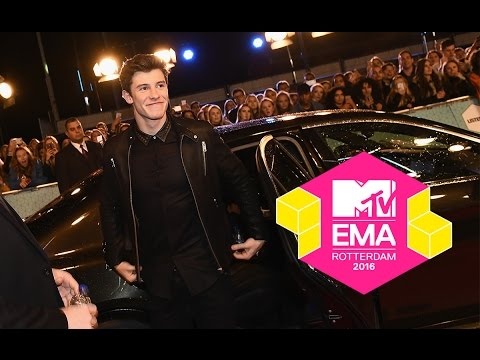 MTV EMA 2016 RED CARPET | ZARA LARSSON, SHAWN MENDES, JACK & JACK AND MORE