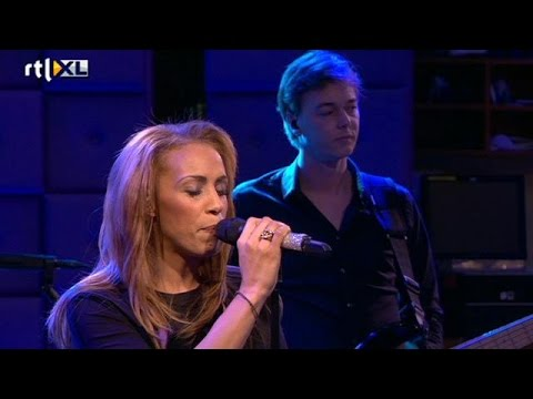 Glennis Grace - Zeg Maar Niks - RTL LATE NIGHT - YouTube