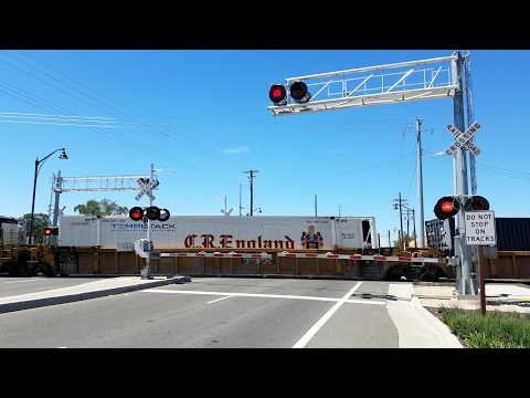 Florin Road Railroad Crossing, UP 8762 Intermodal Northbound, ZLCBR Rerouted, Sacramento CA