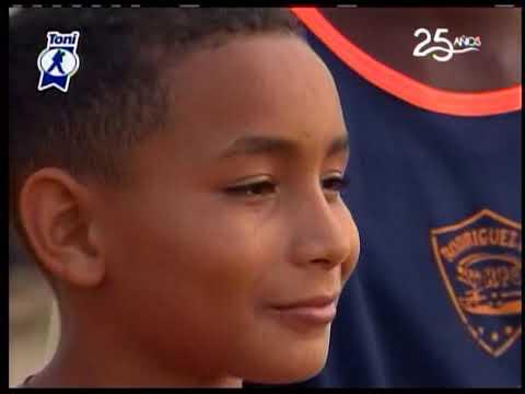 La noticia positiva: Niños futbolistas juegan por cumplir sus sueños