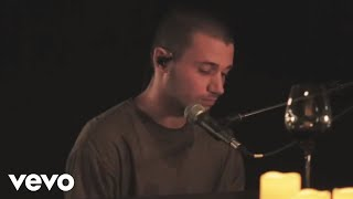 Gambar cover Jeremy Zucker - scared (Acoustic)