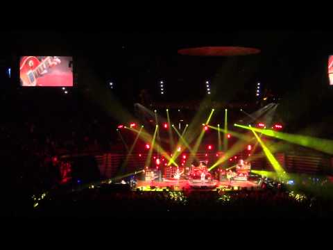 "Pearl Jam performs ""Army Reserve"" at San Diego 11/21/13"