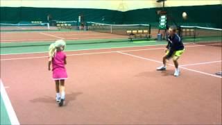 Занятия теннисом дома