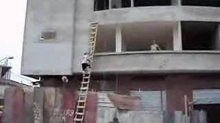 Albañil acróbata suicida